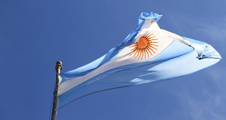 Banco Mundial garantiza 480 milliones de dólares al programa argentino RenovAr