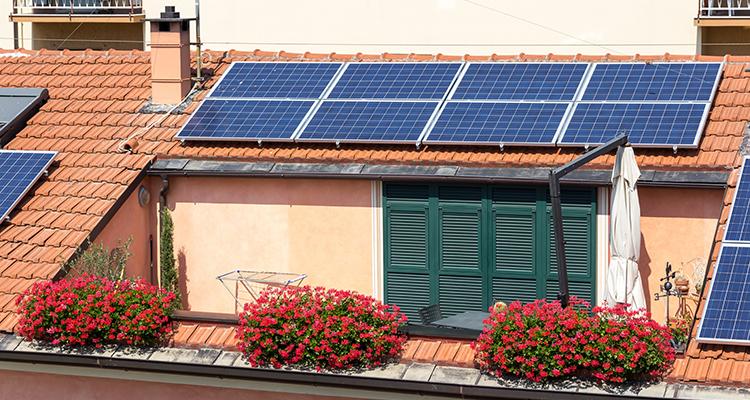 España introduce un paquete de medidas para acelerar la transformación del sistema energético